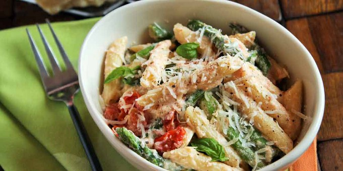 Three-Cheese Ziti with Ricotta, Asparagus and Cherry Tomatoes Recipe ...