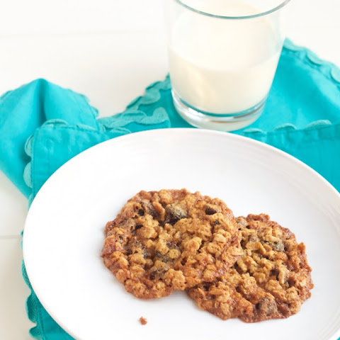 Oatmeal Chocolate Cherry Crisp Cookies