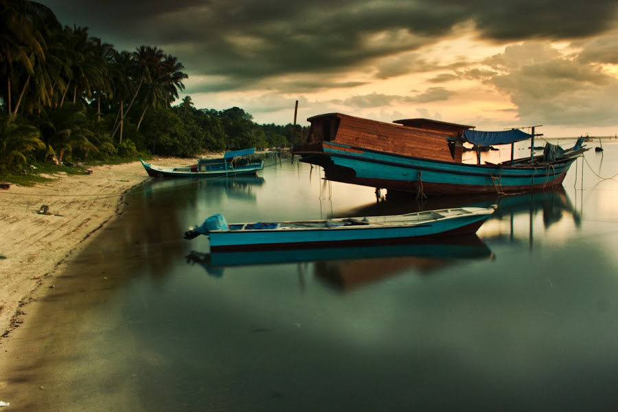 Triple Boat by Eddie Cheever - Transportation Boats ( belitong )