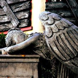 Fallen Angel by Liz Hahn - Public Holidays Easter (  )
