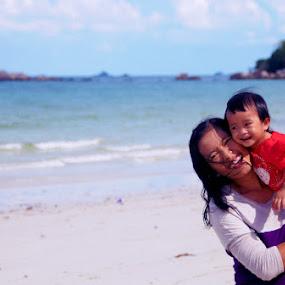 by Daenk Andi - People Family ( keluarga, liburan, tertawa, pantai, anak anak, landscape, wanita,  )