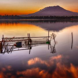 Sunrise in Sampaloc Lake by Joey Tomas - Landscapes Sunsets & Sunrises ( #lakes, #nature, #mountains, #sunrise )