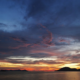 Colorful Evening by Welly Brodus - Landscapes Cloud Formations ( clouds, colorful, clouds and sea, cloudscape, bengkayang, beach, sky, west kalimantan, indonesia, sunset, cloud formation, evening, skyscape )