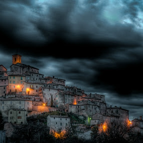 into the light.... by Frans Scherpenisse - Landscapes Travel ( hill, sky, village, travel, light, italy )
