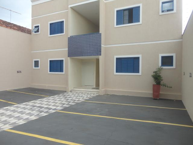 Apartamento com 2 dormitórios à venda, 43 m² por R$ 137.000 - Olinda - Uberaba/MG