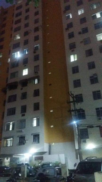 Apartamento com 2 dormitórios à venda, 48 m² por R$ 171.000,00 - Centro - São Gonçalo/RJ