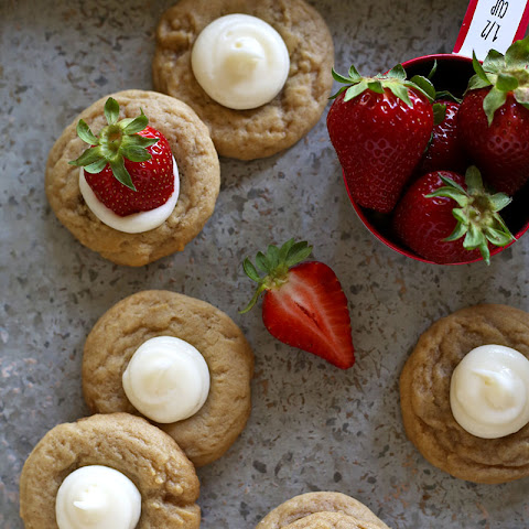 Brown Sugar Cookies with Strawberries & Cream
