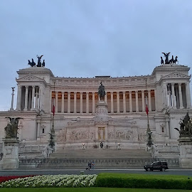 Piazza Venezia. Roma by Juan Tomas Alvarez Minobis - City,  Street & Park  Historic Districts