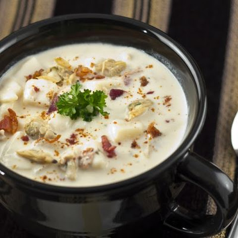 Piping Hot New England Clam Chowder