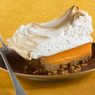 Mile–High Pumpkin Pie