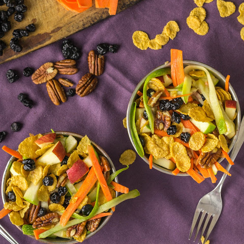 Vegetable and Fruit Salad with Corn Flakes