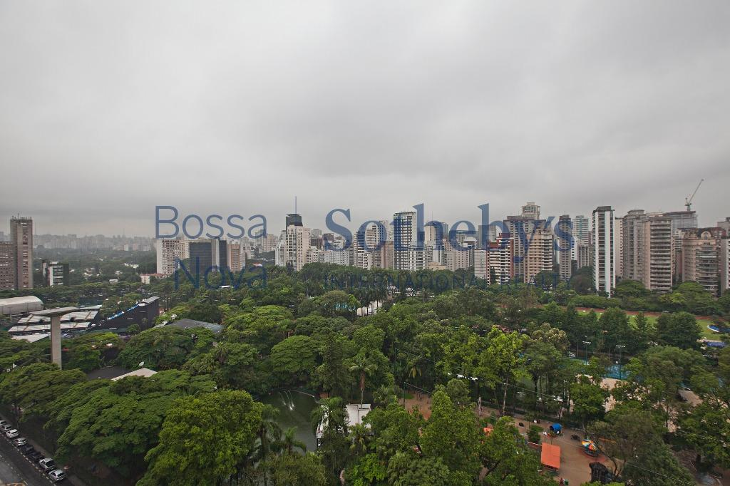 Decoração interiorana com incrível vista de São Paulo
