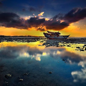 ::. Capturing Light .:: by Ahmad Zulharmin Fariza - Transportation Boats