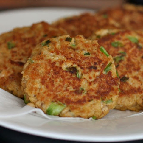 Old Bay Salmon Cakes