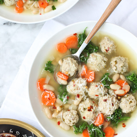 Skinny Slow Cooker Kale and Turkey Meatball Soup