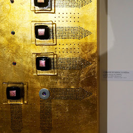 Ludere necesse est by Sámuel Zalányi - Artistic Objects Other Objects ( temesvár, bánát, art, exhibition, gold, timisoara, painting, golden, hungarian,  )