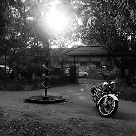 Rider medico by Krishnaraj Krishnaraj - Black & White Objects & Still Life ( #mobilephotography, #medico, # rodofasclepias, #classic350, #indianmotorcycles, #royalenfield )