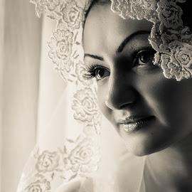 Bride by Arici Ciprian Claudiu - Wedding Bride ( fotograf nunta, portrait photographer, fotograf botez, wedding photographer )