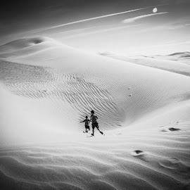 Giant Steps Are What You Take by Charles Frigault - Landscapes Deserts ( sand, dunes, desert, black & white, arakis )