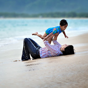 Mom and Son by Yoga Pratama - People Family ( playing, indonesia )