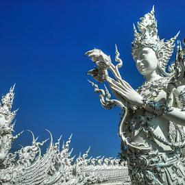 statue by Tonny Haryanto - Buildings & Architecture Statues & Monuments ( building, big statue, thailand, white, architecture, samsung, wat, temple, samsung galaxy note, statue, blue sky, chiang rai, place )
