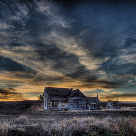 Early Sunrise by Eric Demattos - Buildings & Architecture Decaying & Abandoned ( clouds, farm house, sunset, eric demattos, sunrise, abandoned )