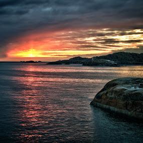 Svolvær at sundown by Daniel Erstad - Landscapes Weather ( hdr, sundown, lofoten, svolvær )