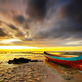 Waiting the Storm by Aris Winahyu BR - Landscapes Waterscapes ( sunset, twilight, cloud, beach, boat )