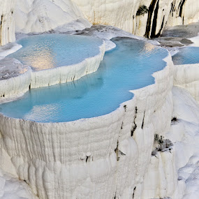 pamukkale's white by Samet Işık - Nature Up Close Rock & Stone ( water, pamukkale, unique, blue, türkiye, white, travertine, denizli )