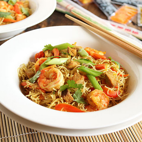 Spicy Singapore Noodles (Singapore Mei Fun)
