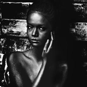 by Jayson Macasu - People Fashion