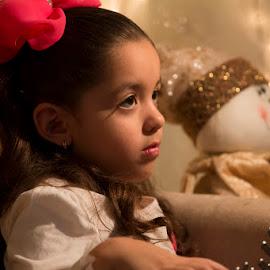 Focus by Sergio Yorick - Babies & Children Children Candids ( looking, girl child, color, children candids, children )