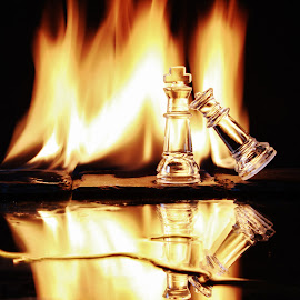 Old flames by Peter Salmon - Artistic Objects Glass ( flames, queen, glass, king, fire )