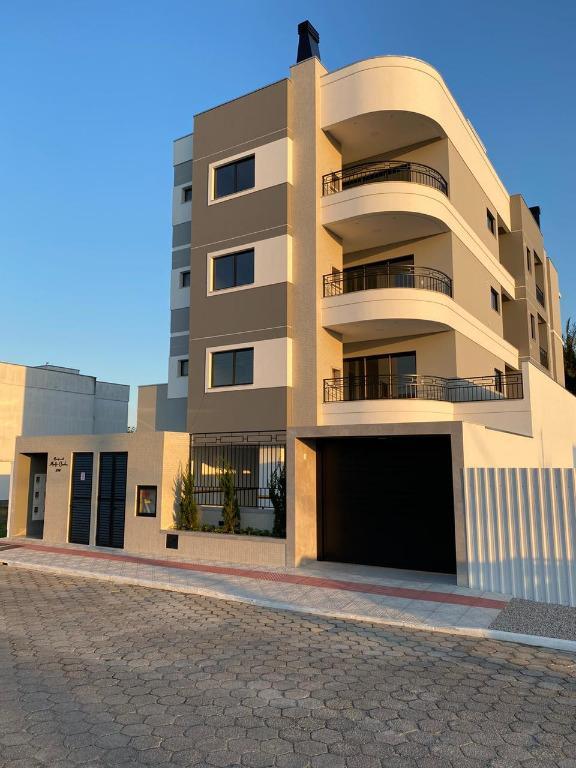 Apartamento com 2 e 3  dormitórios à venda, 61 m² por R$ 299.000 - Areias - Tijucas/SC