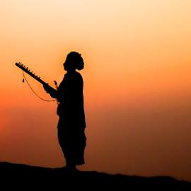 sham-e-malang by Vineet Singh - People Musicians & Entertainers ( desert, pushkar, sunset, india, people )