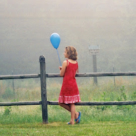 Balloon in the Fog by Sue Jordan - Babies & Children Child Portraits ( child, girl, fog, balloon )
