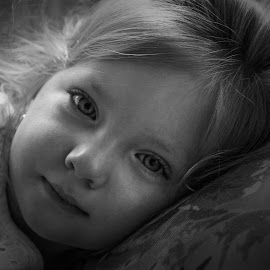 Gianna in black and white by Joe Saladino - Black & White Portraits & People ( child, girl, black and white, toddler, portrait )