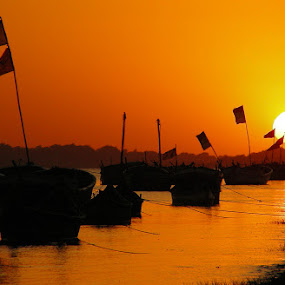 sunset over narmada by Saptarshi Mandal - Landscapes Sunsets & Sunrises ( narmada, life, nature, sunset, boat, landscape, river )