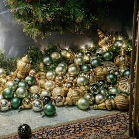 by Charles Ward - Public Holidays Christmas