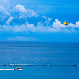 Parasailing by Andy Smith - Novices Only Landscapes