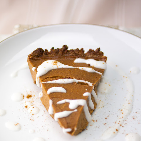 Simple & Healthy Pecan Pumpkin Pie