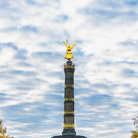 Siegessäule Berlin by Marc Sharp - Buildings & Architecture Statues & Monuments ( autumn, colorful, cityscape, berlin, city )