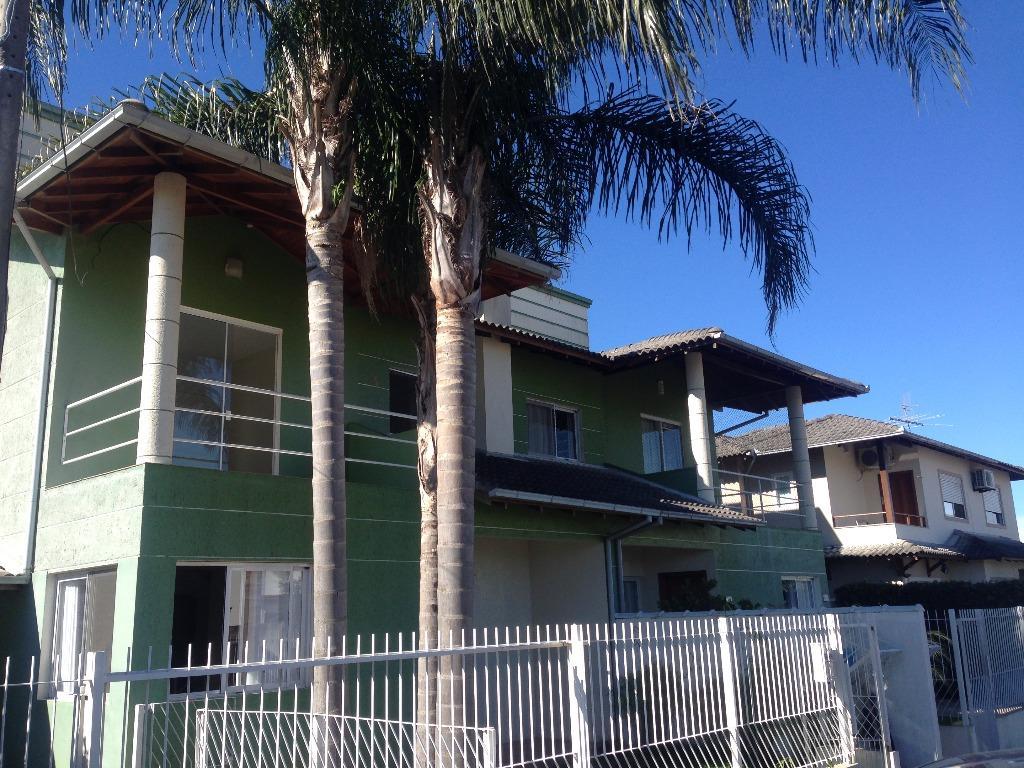 Casa de 4 Dormitórios em Loteamento no Campeche