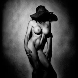 by Francois Cloete - Nudes & Boudoir Artistic Nude