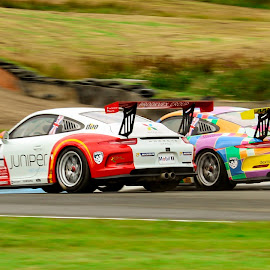 Porsche Carrera's do battle by Martin Thomson - Sports & Fitness Motorsports ( cup, carrera, btcc, knockhill, porsche )