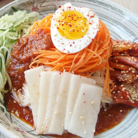 Spicy Cold Buckwheat Noodles (Bibim Naengmyeon)