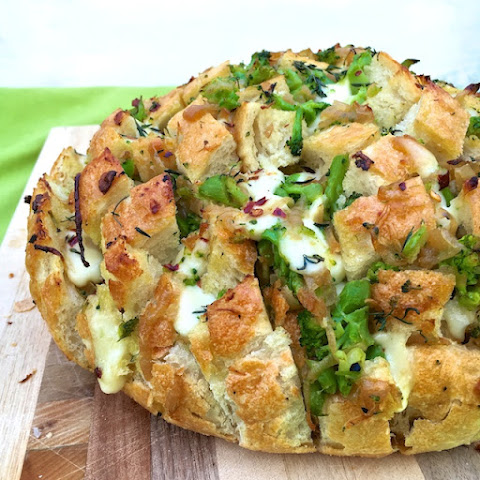 Caramelized Onion & Broccoli Pull-Apart Bread