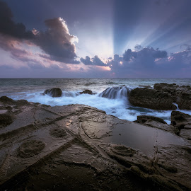 Crepuscular rays by Arabinda Debnath - Landscapes Beaches ( seascape, sunrise, cove, waterscape )