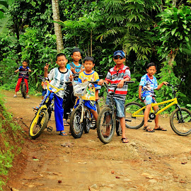ngabolang by Dedi Sukardi - Transportation Bicycles ( bicycles, boys )