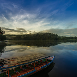 Situ Patengang , Bandung , Indonesia. by M Reza Saptodi - Landscapes Travel